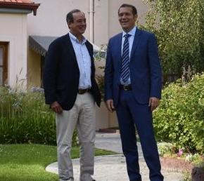 web-primera-gobernador-omar-gutierrez-junto-a-martin-zimmermann-presidente-sociedad-rural-neuquen_sip2618-1024x580