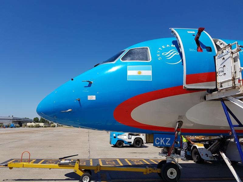 avion_aerolineas_argentinas_austral_embraer_mar_del_plata_2017-01