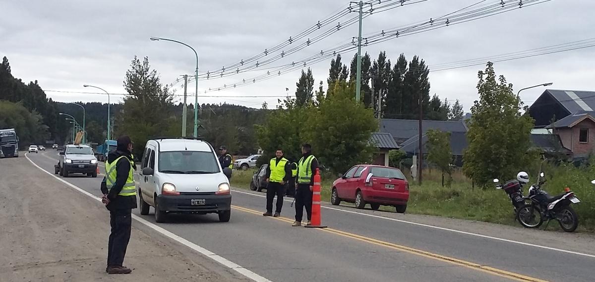 Tras un operativo vehicular en Ruta 40, se secuestraron 4 vehículos, uno era un remisse trucho