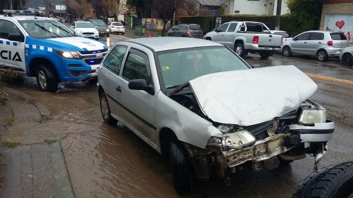 Conductor alcoholizado chocó un vehículo estacionado en la Av Koessler
