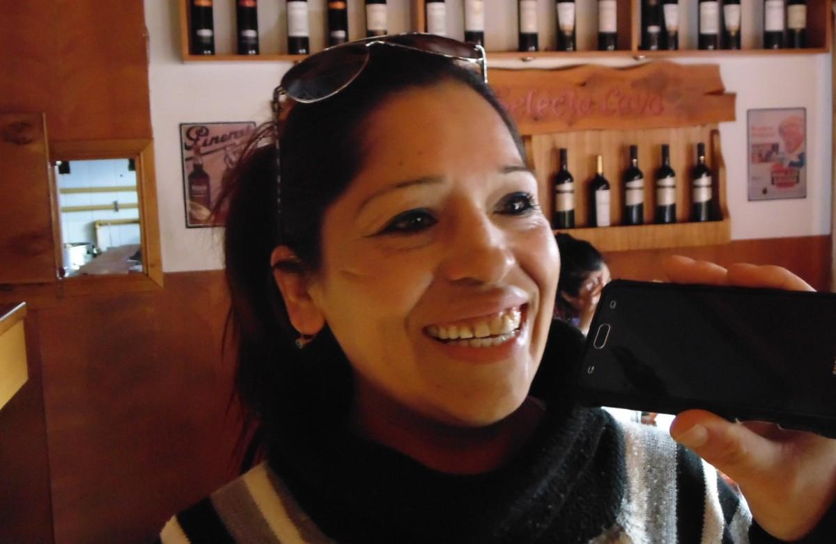 """Marta Ancamil, la parrillera que se quedó con el primer puesto del """"Concurso de Cordero a las Llamas"""""""